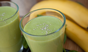 Banana Chia Seed Spinach Smoothie