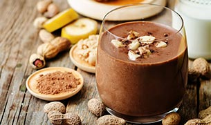 Chocolate Banana Peanut Butter Cup Smoothie