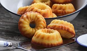 Mini Mango Bundt Cakes
